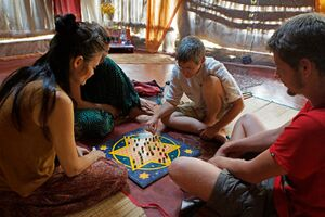 2013 Lilaloka chinese checkers.jpg